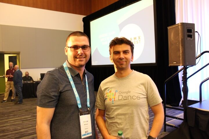 On the photo Gary Illyes from Google and Nikola Minkov from Serpact after a conversation in SMX West