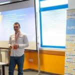 Никола Минков по време на лекцията си