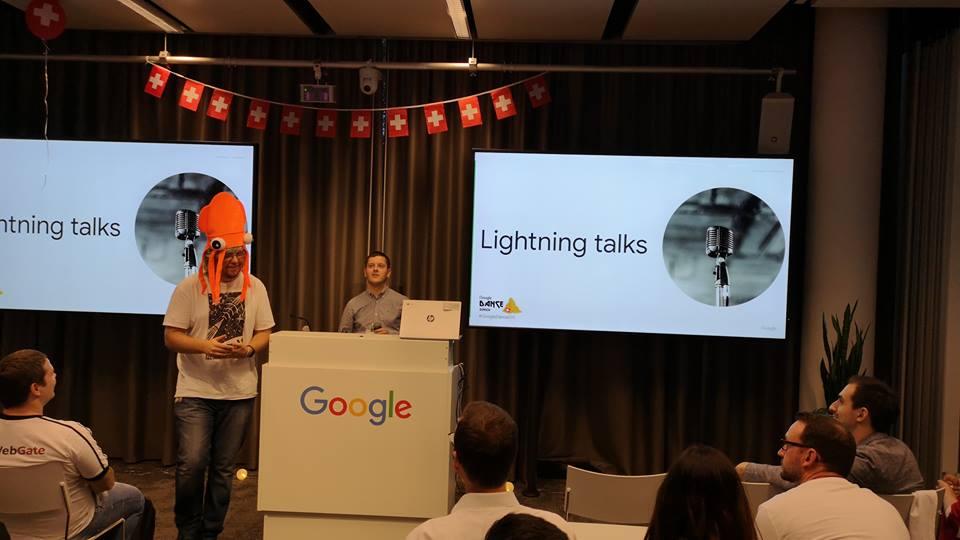 Представяне на Дидо Григоров на аудиторията на Google Dance Zurich 2018