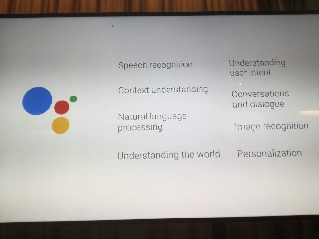 Rнженерът от Гугъл обясни, че гласовото търсене обединява разпознаване на глас, разбирането на контекст, разбирането на потребителското намерение, персонализация и други.
